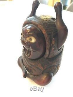 FINE Antique, Japanese/Japan Wooden Okimono Netsuke Angry God withabalone shell