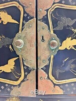 Fine Antique Japanese Edo Period Black Lacquer Maki-e Lacquer Tansu Small Chest