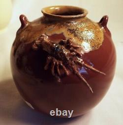 Fine Japanese Porcelain Vase Makuzu Ware High Relief Rock Lobster Meiji Unsigned