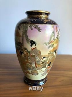 Fine Japanese Satsuma Vase Warriors and noble women Antique